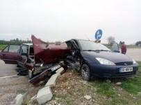 MURAT KILIÇ - Adana'da Trafik Kazası Açıklaması 6 Yaralı