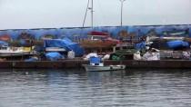 BATı KARADENIZ - Balıkçılar Limana Demir Attı