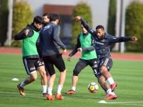 MINYATÜR - Beşiktaş'ta Keyifli Antrenman