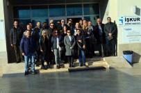 SIYAH ÇELENK - Didim'de Mimar Ve Mühendisler Tepki İçin Belediyeye Yürüdü