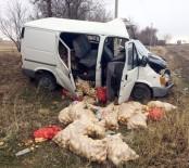 CENAZE ARACI - Konya'da Minibüs Tıra Arkadan Çarptı Açıklaması 1 Ölü