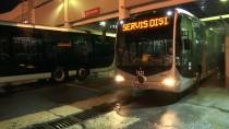 EDIRNEKAPı - Metrobüsleri Onlar Temizliyor