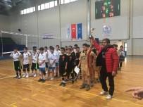 İSMAIL ŞAHIN - Mini Voleybol Turnuvasının Şampiyonu Yavuz Selim Ortaokulu Oldu