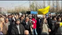BAĞLıLıK - Tahran'da Milyonlarca İranlı'dan, Devlete Bağlılık Yürüyüşü