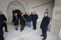 UĞUR POLAT - Tarihi Camide Restorasyon Çalışmaları Devam Ediyor