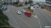 İLGİNÇ GÖRÜNTÜ - Samsun'da Dehşete Düşüren Trafik Kazaları