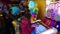 BÜLENT UYGUR - Suriyeli Yetim Çocukların Sinema Sevinci