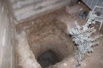 Tuvalet Kuyusu Kazarken Buldukları Mağarada Fransız Definesi Aramışlar