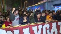 YOUNES BELHANDA - Galatasaray'a Antalya'da Coşkulu Karşılama