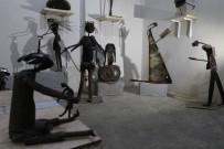 FELSEFE - İranlı Heykeltıraş Seywan Saedian Hurdaları Sanat Eserine Dönüştürüyor