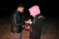 EVLİLİK TEKLİFİ - Kız Arkadaşına Aşıklar Tepesinde Evlilik Teklifi Etti