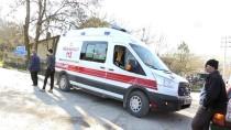 İSTANBUL YOLU - Kocaeli'de Cip İle Otomobil Çarpıştı Açıklaması 5 Yaralı
