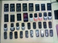 ŞEREFIYE - Van'da 36 Adet Kaçak Cep Telefonu Ele Geçirildi