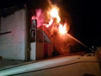 Dokuma Fabrikasında Çıkan Yangına 18 Araç, 40 Personel Müdahale Etti