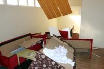 HÜKÜMET KONAĞI - FETÖ'den Kapatılan Okulda Tuvalet Arkasında Gizli Toplantı Salonu Bulundu