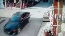 HAMİLE KADIN - Geri Manevra Yapan Otomobil Hamile Kadına Çarptı