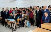 HÜSEYİN ÇELİK - Hakkari'de Üniversite Sınavına Hazırlanan Öğrencilere Kitap Desteği