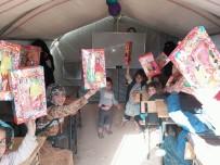 KURAN KURSU - Hayat Ağacı Hama'da Çocuklara Oyuncak Dağıttı