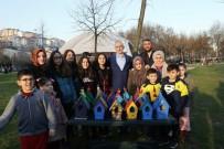 KAĞITHANE BELEDİYESİ - Kağıthaneli Çocuklar İlçedeki Ağaçlara Kuş Yuvaları Astı