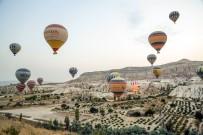 KAPADOKYA - Kapadokya'da 2017 Yılında 247 Gün Balon Turu Yapıldı