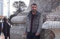 TAKSIM - (Özel) Taksim'de Genç Adam Benzin Döküp Kendini Yakmaya Çalıştı