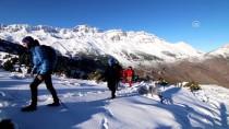 FETHİ SEKİN - Şehit Fethi Sekin Anısına Küpe Dağı'na Tırmandılar