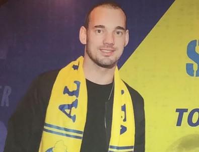 Sneijder'e sarı-lacivertli kaşkol