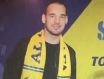 BÜLENT UYGUN - Sneijder'e sarı-lacivertli kaşkol