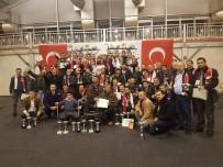 FARUK ÇELİK - Süs Tavukları Şampiyonluk Kupalarını Aldı