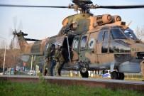 KURTARMA HELİKOPTERİ - Uludağ'da Mahsur Kalan 3 Kişiyi Askerler Hastaneye Omuzlarında Getirdi