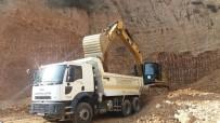 YOL YAPIMI - Alaşehir Belediyesi Yol Çalışmalarına Devam Ediyor