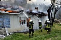 SU BASKINI - Alev Savaşçıları 2 Bin 941 Olaya Müdahale Etti
