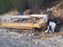 Beton Pompası Uçurumdan Yuvarlandı Açıklaması 1 Ölü