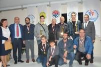 MUSTAFA YAVUZ - Dereceye Giren Satranç Sporcuları Ödüllerini Aldı