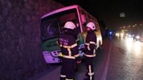 YOLCU MİDİBÜSÜ - Kocaeli'de Yolcu Midibüsü Su Kanalına Düştü Açıklaması 3 Yaralı