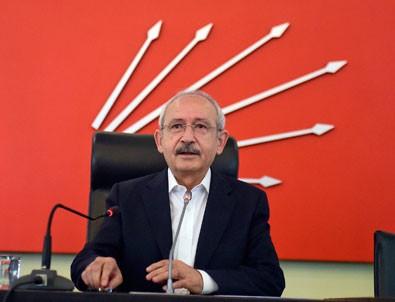 MHP'yi eleştiren CHP koalisyon için AK Parti'nin peşinden koşmuştu