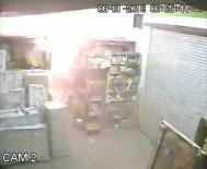 MOBİLYA MAĞAZASI - Mobilya Deposundaki Yangının Güvenlik Kamera Kayıtları Ortaya Çıktı