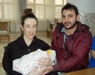 KALP KAPAĞI - Ölümü Göze Alıp Hamile Kaldı, Doğumla Birlikte Kalp Ameliyatı Oldu