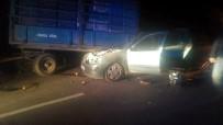 SAHILKENT - Otomobil, Portakal Yüklü Traktör Römorkuna Çarptı Açıklaması 1 Ölü, 3 Yaralı