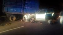 SAHILKENT - Otomobil Traktör Römorkuna Çarptı Açıklaması 1 Ölü, 3 Yaralı