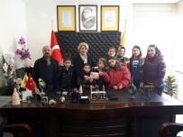 YENI YıL - Özel Öğrencilerden Artvin PTT Başmüdürü Gönül Kocaman'a Ziyaret