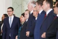 KABİNE TOPLANTISI - Polonya'da Köklü Kabine Değişikliği Açıklaması 9 Bakan Değişti