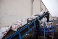 KÖMÜR YARDIMI - Tokat'ta 3 Bin 500 Aileye 1.5 Ton Kömür Yardımı