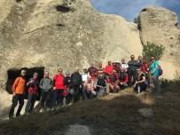 AFDOS Üyeleri Ornaş Kayalıkları'na Yürüdü