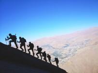 TÜRKIYE DAĞCıLıK FEDERASYONU - CİSAD Dağcıları Sümbül Dağı'na Tırmandı