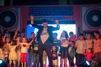 EĞLENCE MERKEZİ - Forum Aydın'da Burak Kut Coşkusu Yaşandı
