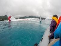 MİKRONEZYA - Göle İnen Uçağın Kurtarma Görüntüleri Ortaya Çıktı