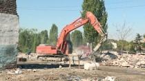KALENDER - İskitler'deki Metruk Binalar Yıkılıyor