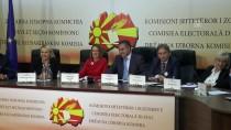 OLIVER - Makedonya'daki Referanduma Katılım Yüzde 36'Da Kaldı