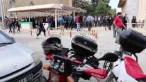 Motosikleti Bariyerlere Çarparak Ölen Gencin Cenazesi Defnedildi